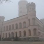 schloss-granitz-nebel